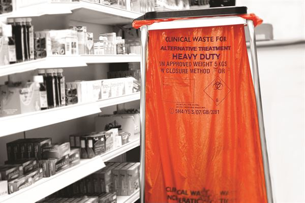 ATHD-12_ATHD-12_Clinical_Waste_Sack_Orange_Heavy_Duty_Action_Generic_Landscape_1